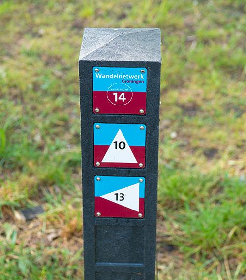 Routepaal Veenkoloniën wandelroutes